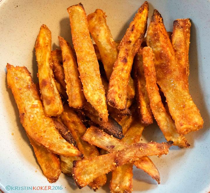 søtpotetfries, søtpotet pommes frites, søtpotetscips sprø