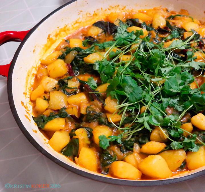 aloo palak, indisk potet- og spinatkarri