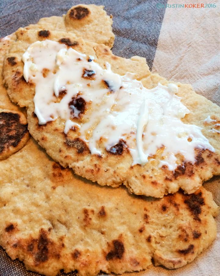 glutenfrie wraps, glutenfrie flate brød med teff og koriander, hvitløkssmør uten melk
