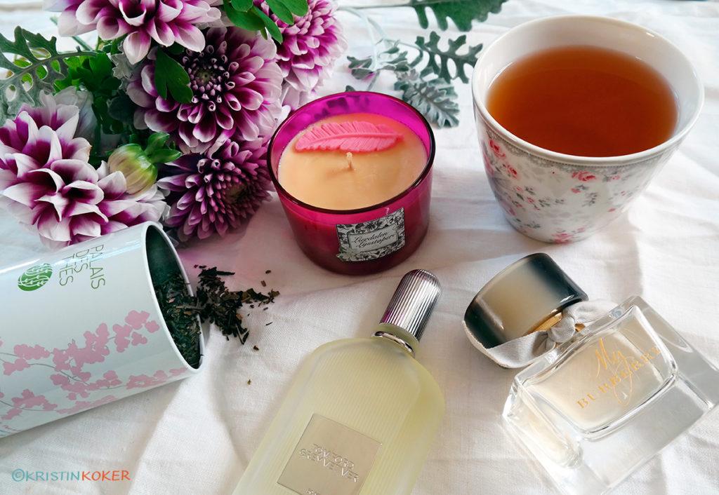 næring til alle sanser, vi lever ikke av mat alene. Jeg gir næring til sansene mine med duft, fra te, duftlys og parfyme, og gir næring til synssansen med blomster.