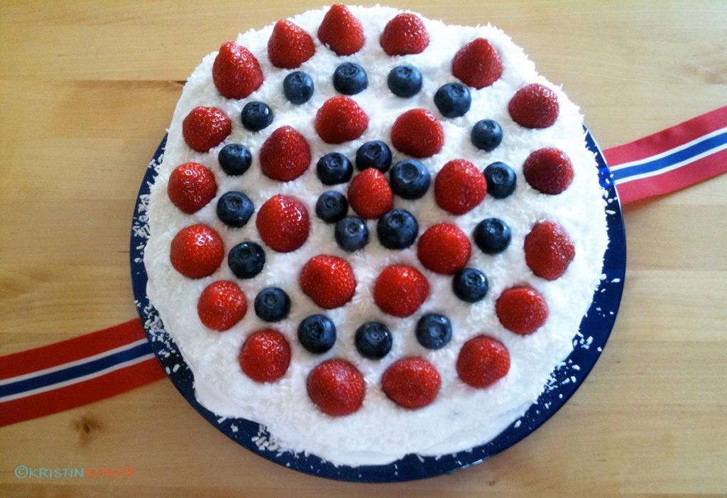 17.maikake med marengskrem, vaniljekrem og bær
