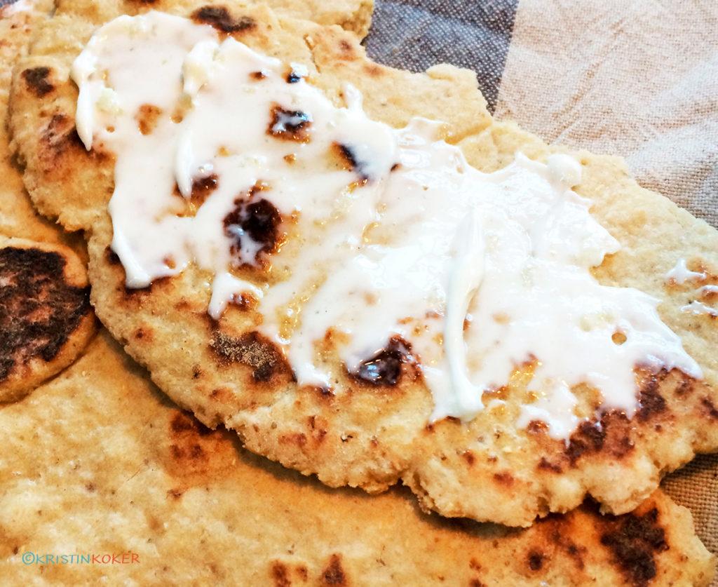 Glutenfrie flate brød med teff og koriander