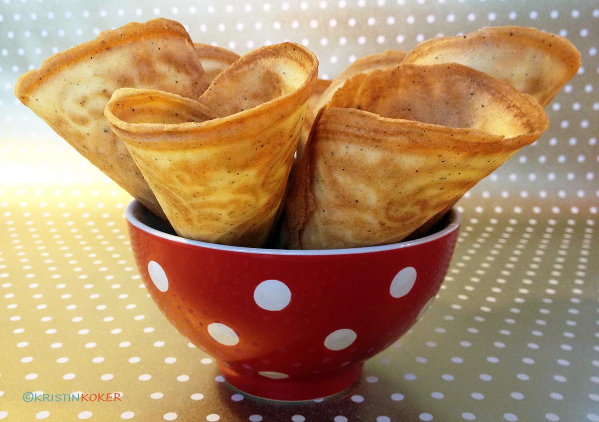 glutenfrie krumkaker med nydelig smak av kardemomme og konjakk