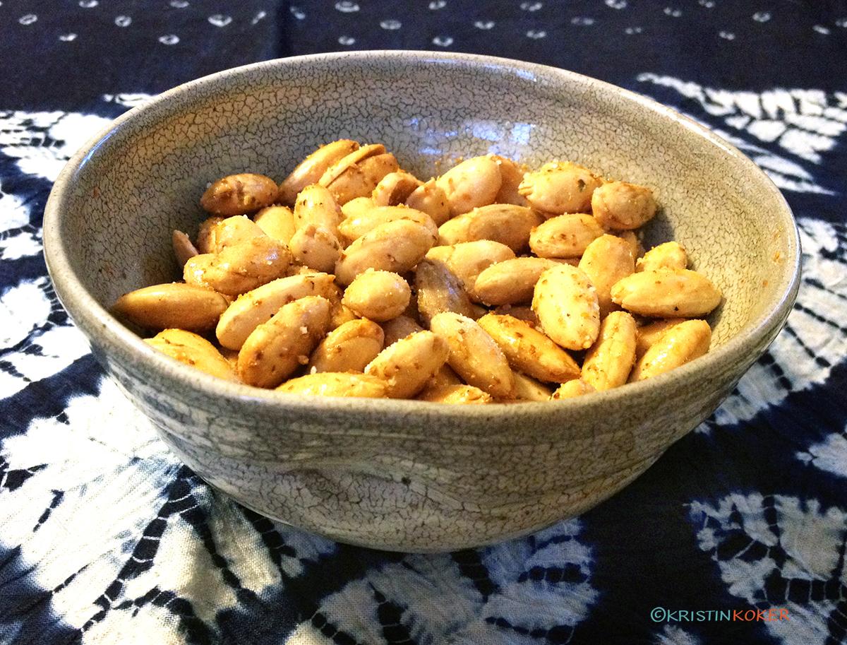 ristede mandler med japansk chilikrydder