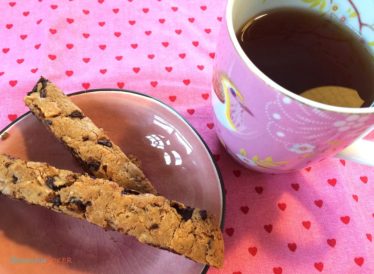 biscotti med sjokolade, appelsin og tranebær