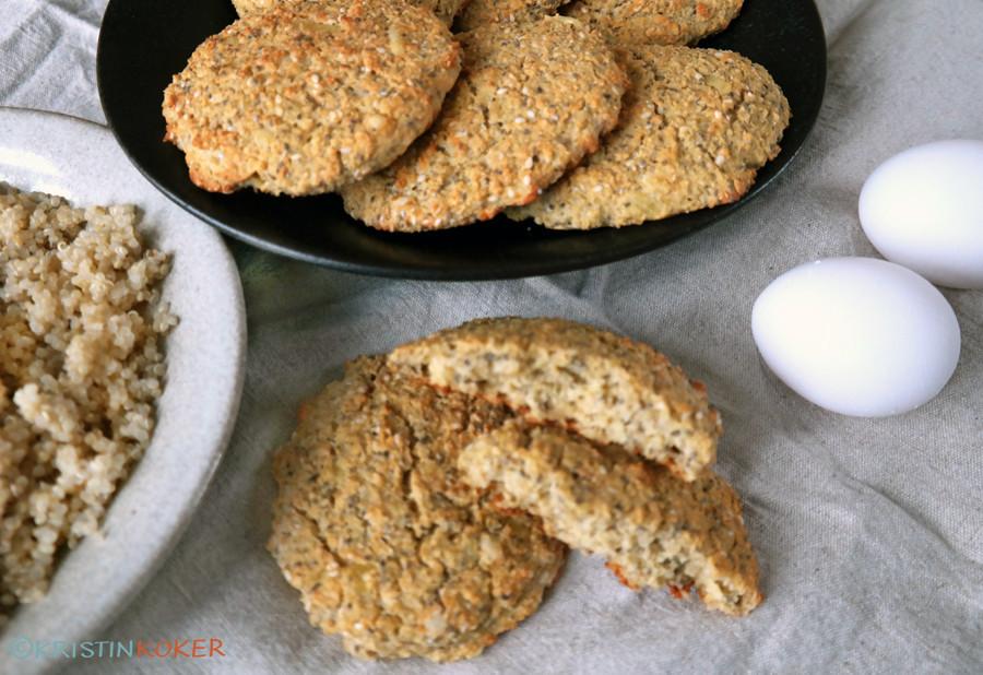 Proteinrundstykker uten melk og gluten, med quinoa, glutenfri havre og mandelmel, uten cottage cheese.