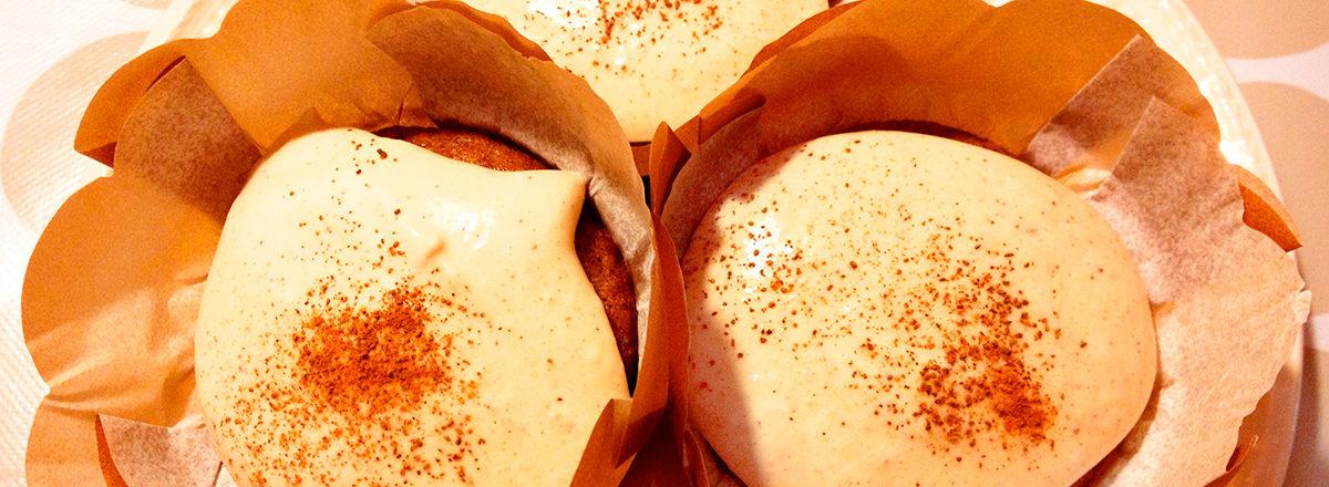 gresskarmuffins med krydret marengsglasur