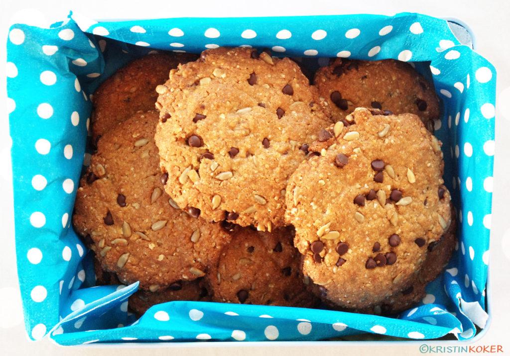 Sunnere glutenfrie sjokoladebitkjeks eller chocolate chip cookies.