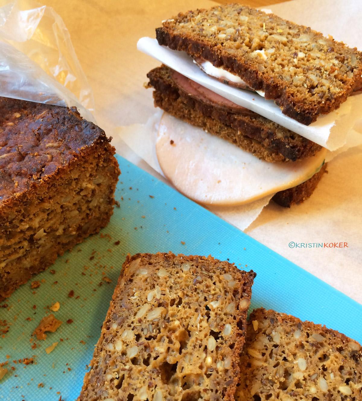 hjemmebakt glutenfritt brød og matpakke på Danmarksferie